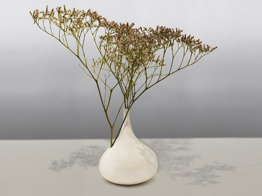 Contemporary style porcelain vase CHANTILLY by Beau & Bien