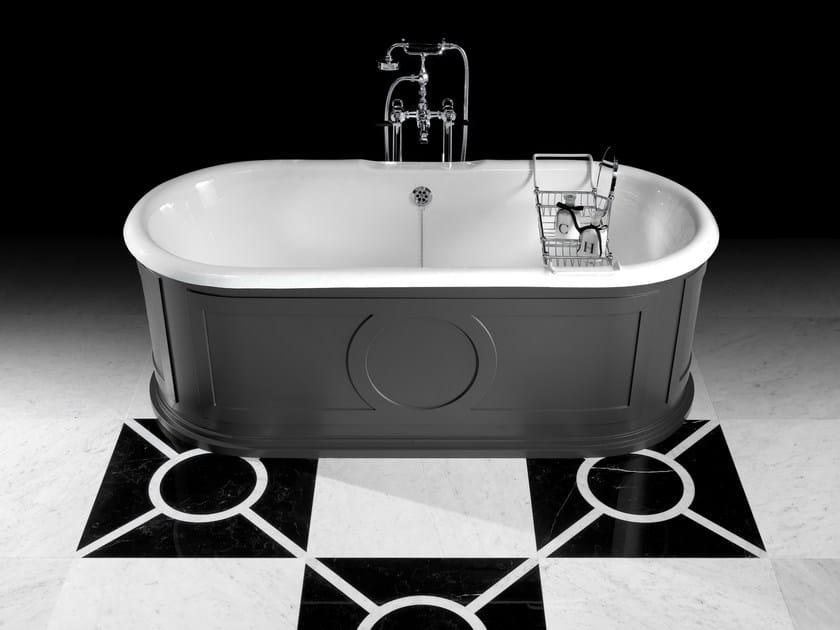Vasca Da Bagno Old Style : Old fashion rubinetto su vasca da bagno jacuzzi design vintage