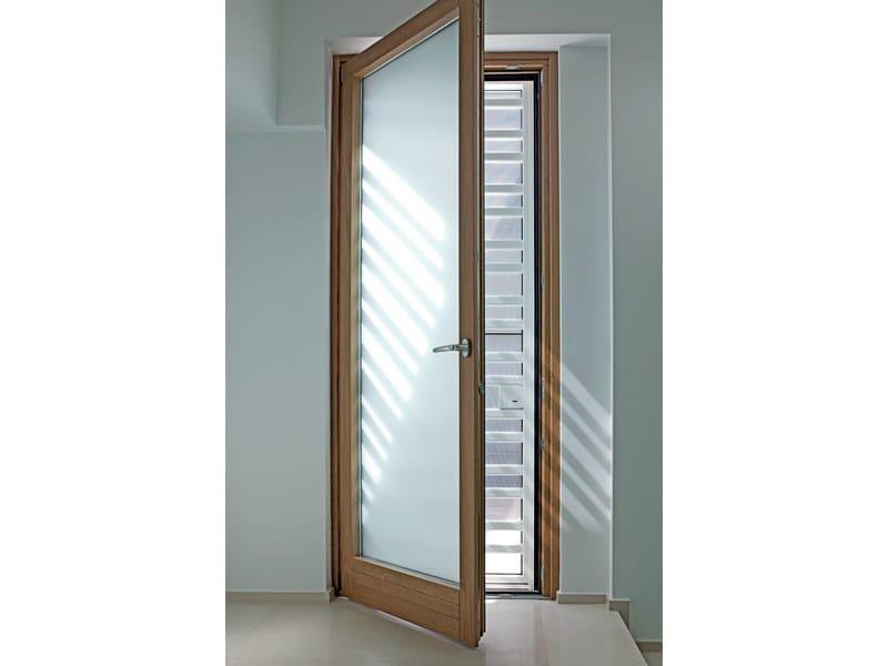 Porta finestra a battente in legno lamellare exter alu design finestra a battente de carlo - Finestre de carlo ...