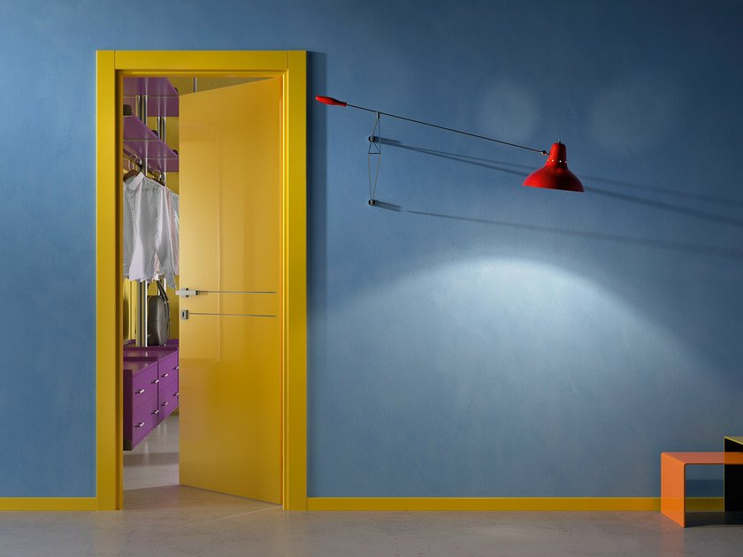 Hinged lacquered door DUANA 2F by GIDEA