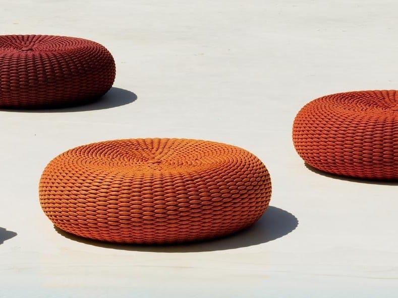 Round garden pouf SHELL by paola lenti