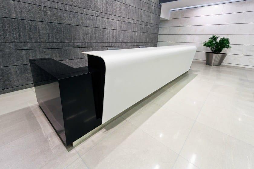 HI-MACS® - Design di mobili Design: Danya Cebus - Fabrication: Atvangarde Surfaces - Photo: Stelian Popa - Material: HI-MACS®, Gemini, Black Granite