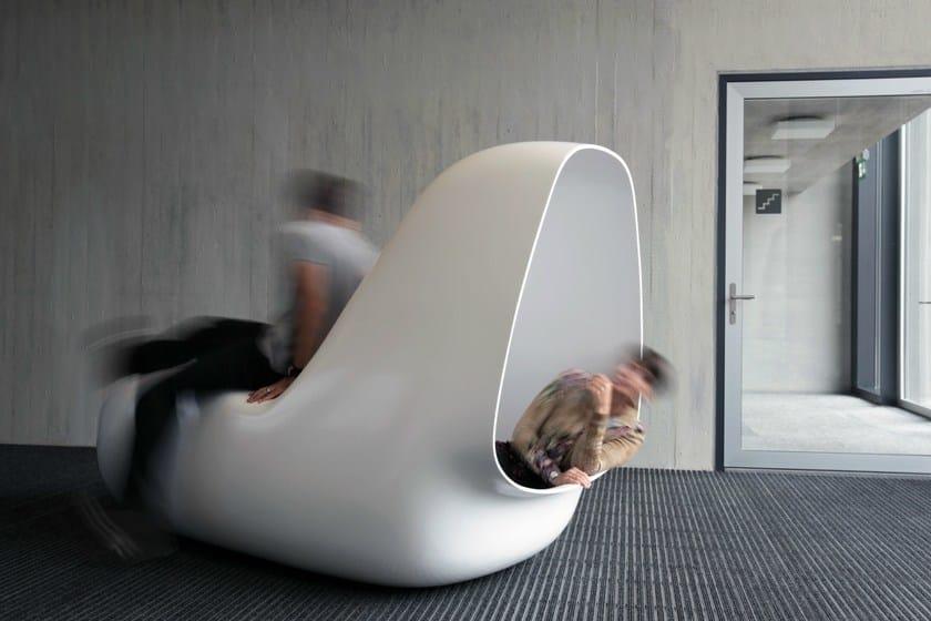 HI-MACS® - Design di mobili SleepBox - Design: Caspar Lohner - Fabrication: Kläusler Acrylstein AG - Supervision: Mathias Bernhard, Manuel Kretzer   Photos: Manuel Kretzer