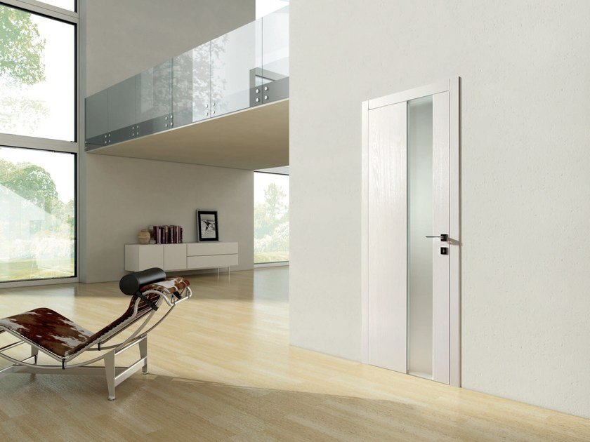 Hinged lacquered wooden door SIDNEY by Ghizzi & Benatti