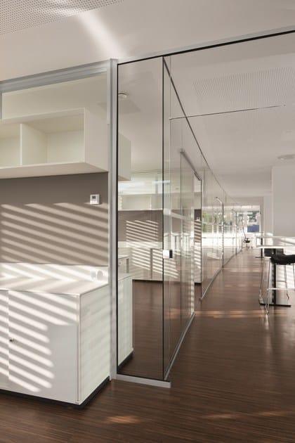 cloison amovible de bureau en verre cloison amovible vitr e rg by bene design johannes scherr. Black Bedroom Furniture Sets. Home Design Ideas