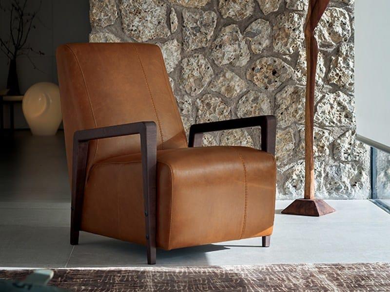 Leather armchair with armrests HUG by Ditre Italia
