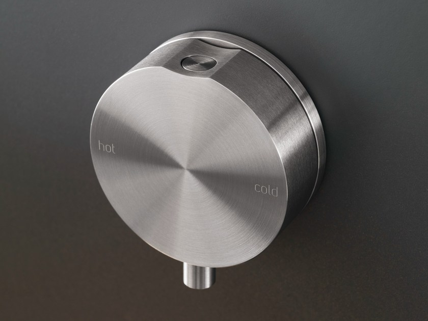 Wall mounted single lever mixer GIO 40 by Ceadesign
