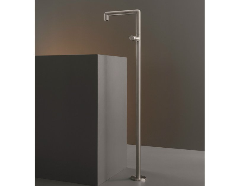 Free-standing mixer for washbasin with swivelling spout CAR 04 by Ceadesign