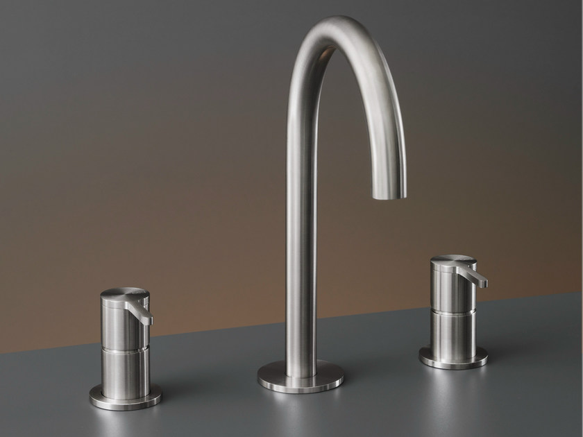 Three-hole mixer with swivelling spout INV 43 by Ceadesign