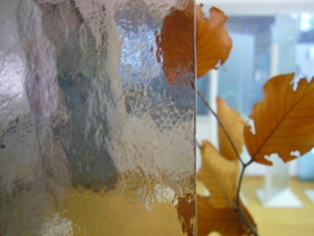 Decorated translucent glass DECORGLASS by Glassolutions