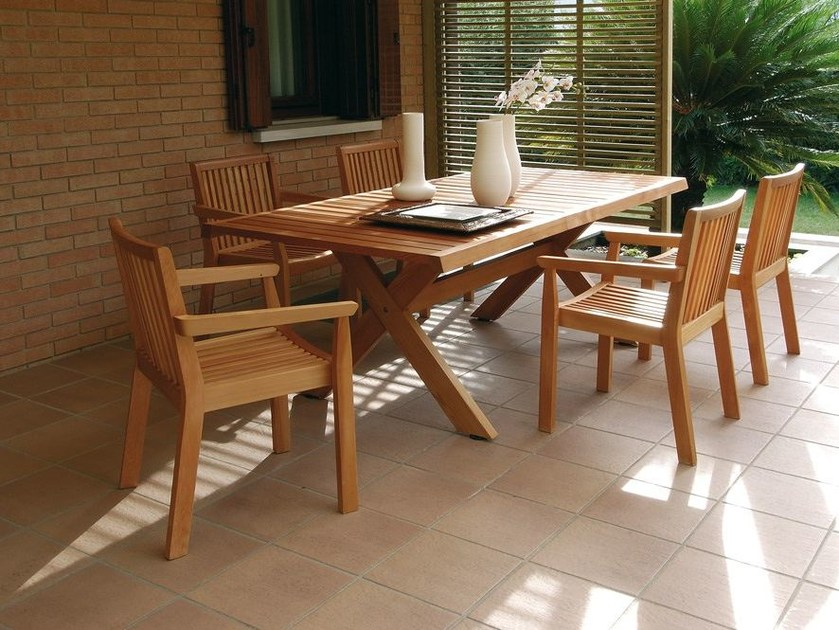 Extending wooden garden table SERIE AIRONE | Extending table by Legnolandia