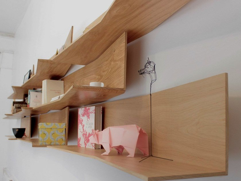 Wall-mounted modular bookcase 11.2 by Compagnie