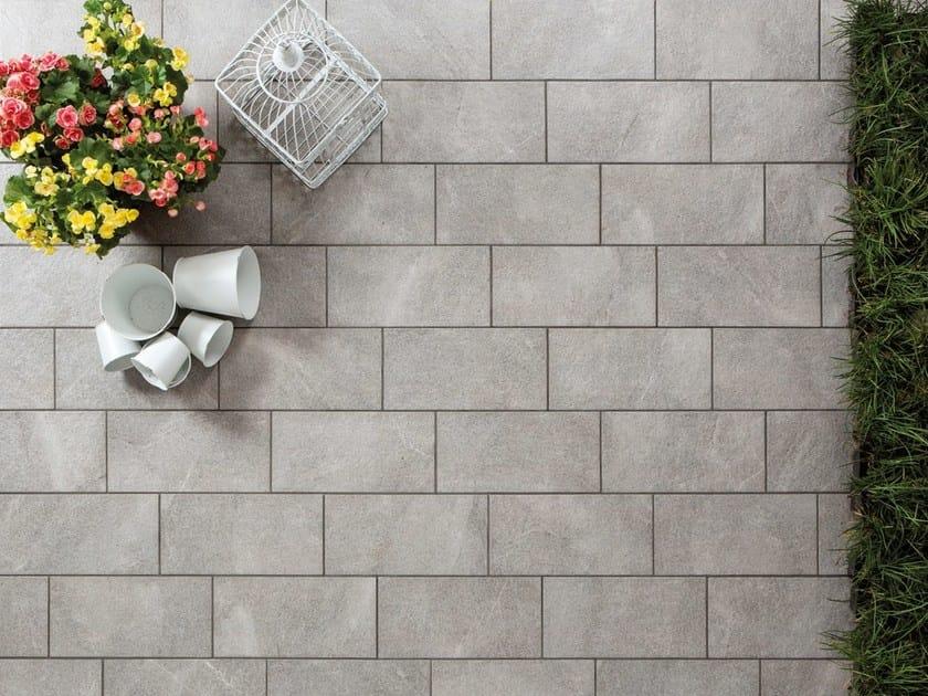 Pavimento per esterni in gres porcellanato effetto pietra julia