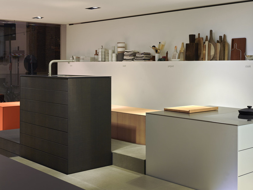 Wooden Kitchen unit with drawers B3 | Kitchen unit by Bulthaup