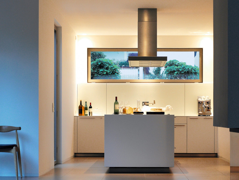 Kitchen with island B3 | Kitchen with island by Bulthaup