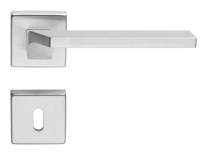 Contemporary style brass door handle on rose with lock GIRO ZINCRAL | Door handle with lock by LINEA CALI'