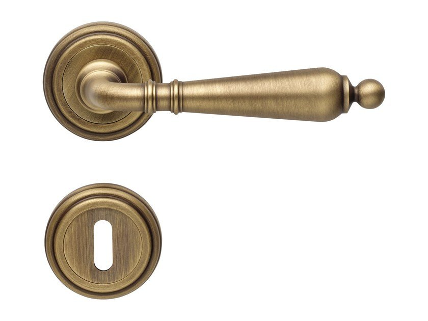 Classic style brass door handle on rose with lock FLORENZIA   Door handle with lock by LINEA CALI'