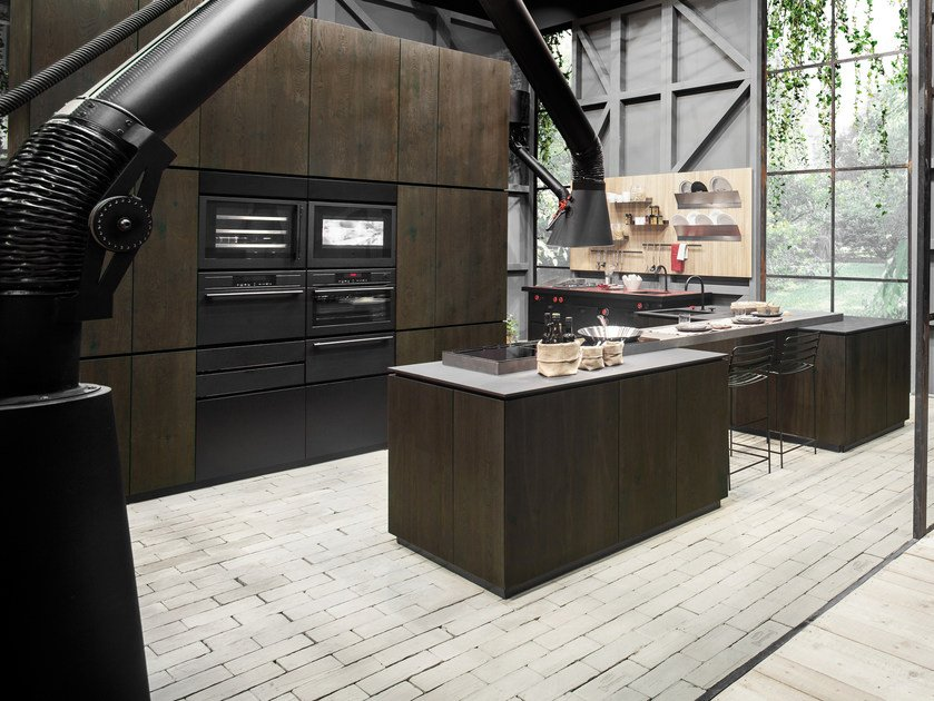 Wooden kitchen with island NATURAL SKIN | Kitchen with island by Minacciolo