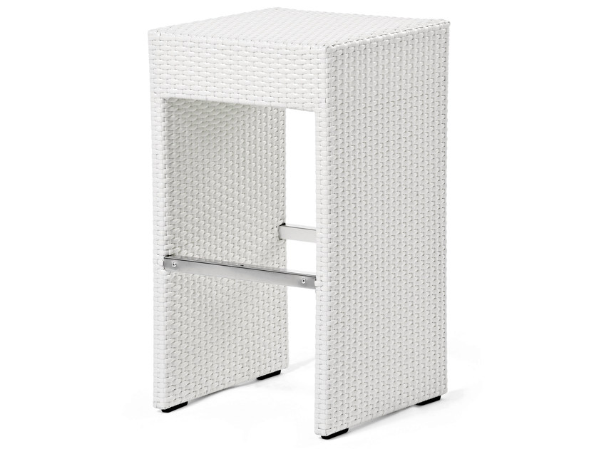 Stool with synthetic fiber weaving CORA | Stool by Varaschin