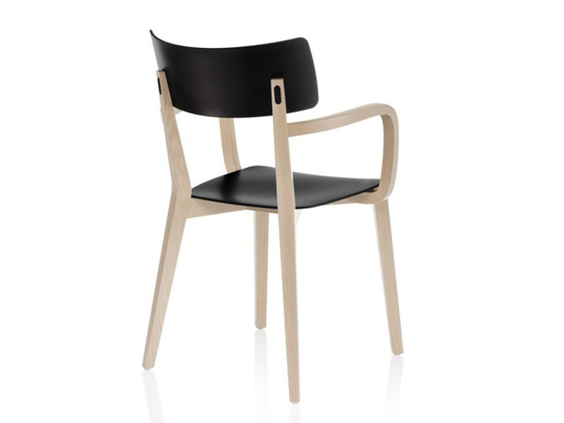 Wooden chair with armrests DUE | Chair with armrests by Brunner
