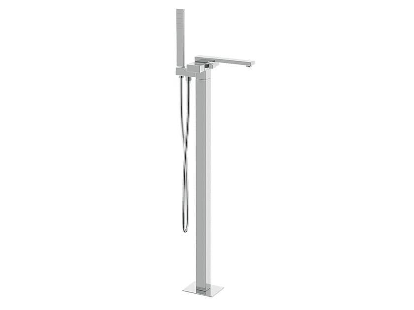 Floor standing bathtub mixer with hand shower TWIN | Floor standing bathtub mixer by Daniel Rubinetterie