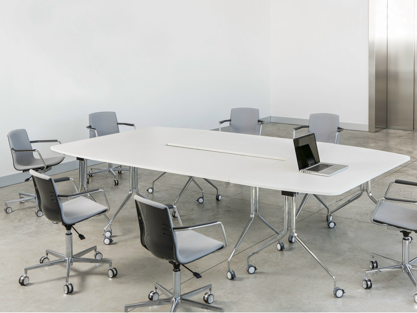 Modular laminate meeting table with casters ARGO R | Meeting table by Mara
