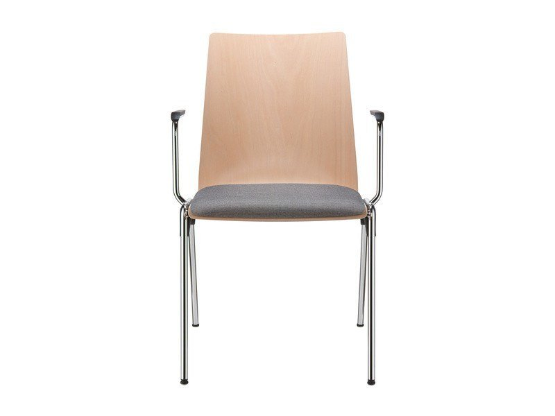 Stackable beech chair with armrests HERO | Chair with armrests by Brunner