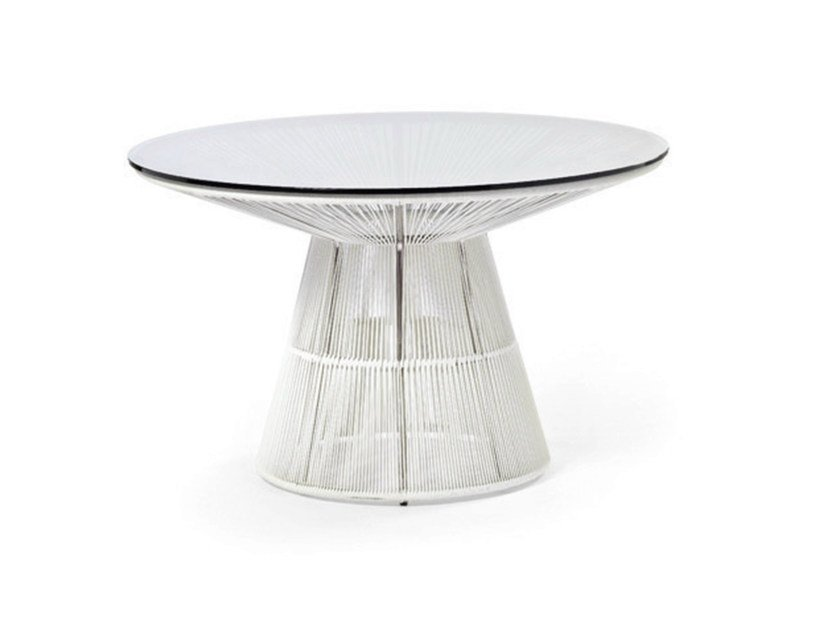 Round table with synthetic fiber weaving and glass top Table by Varaschin