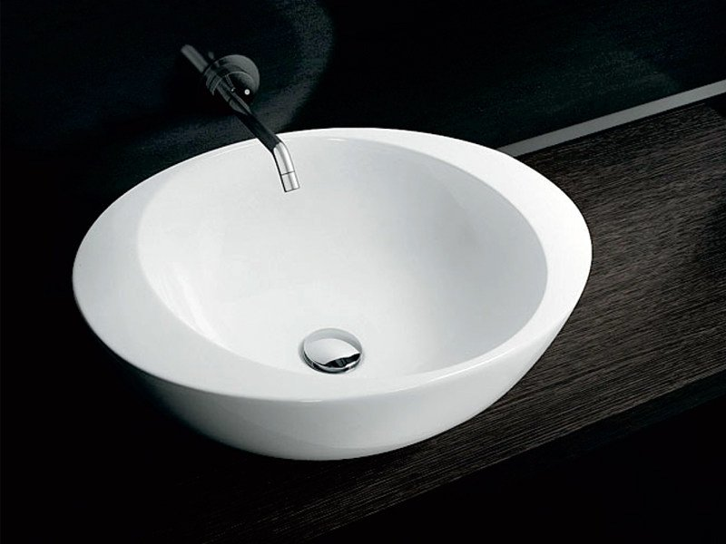 Lavabo in ceramica ACCENT BASIN by A. e T. Italia