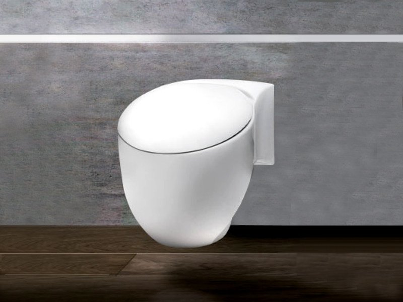 Wall-hung ceramic toilet ACCENT WC by A. e T. Italia