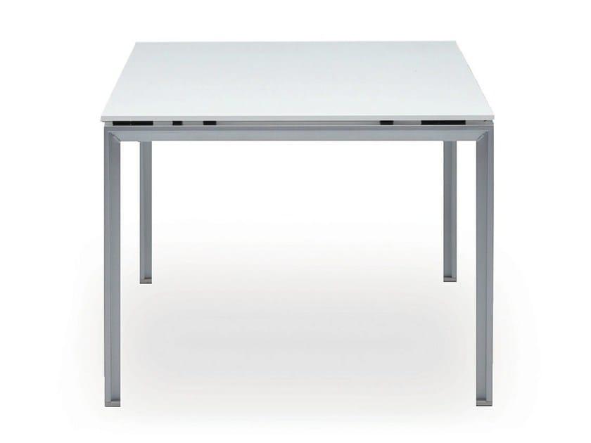 Rectangular workstation desk DO IT.4 | Office desk by König Neurath