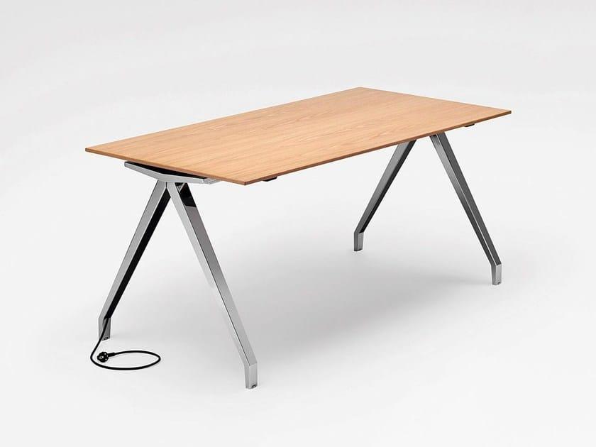 Rectangular wooden office desk TABLE.A | Office desk by König +  Neurath