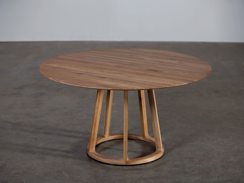 Round wooden table PIVOT by Artisan