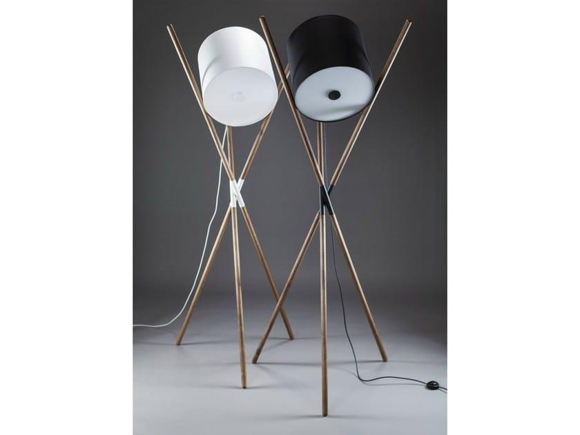 Adjustable wooden floor lamp SHIFT by Artisan