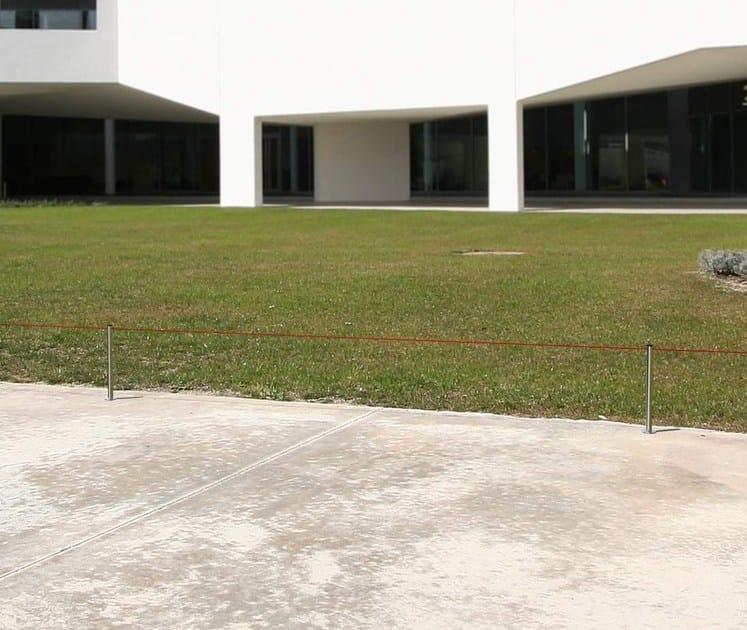 BARRIERA SLIM | Colonnina segnapercorso Slim Mini da terra per esterno