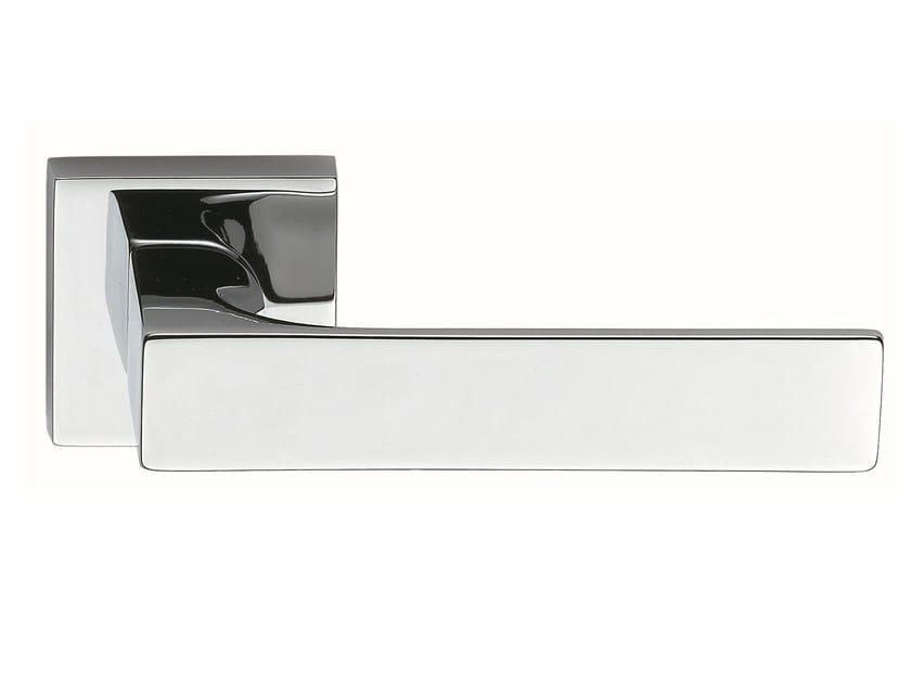 Zamak door handle on rose polished chrome TUKE | Door handle by Frascio