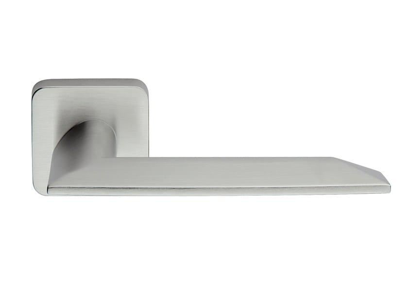 Zamak door handle on rose satin chrome SHARP | Door handle by Frascio