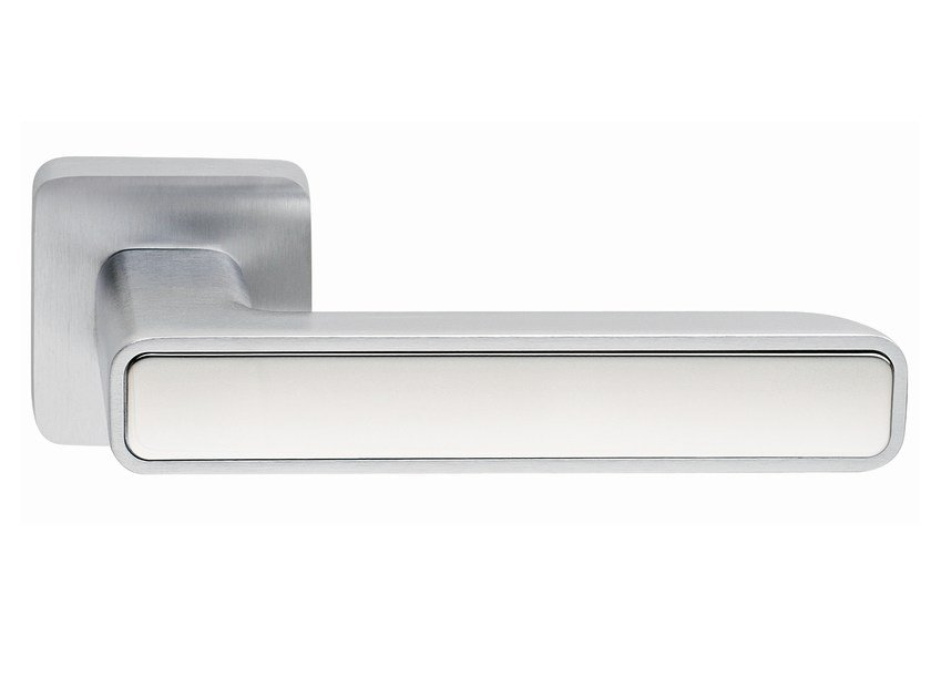 Zamak door handle on rose INNER METAL | Door handle by Frascio