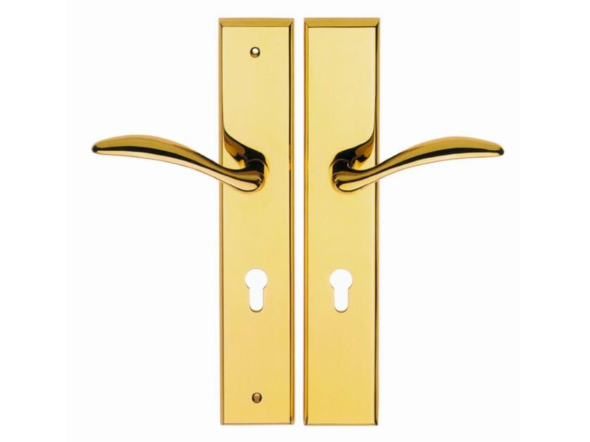 Brass door handle on back plate 300 LP by Frascio