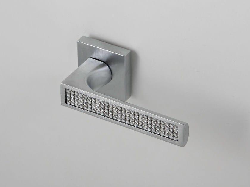 Door handle on rose satin chrome QUEEN | Door handle by Frascio