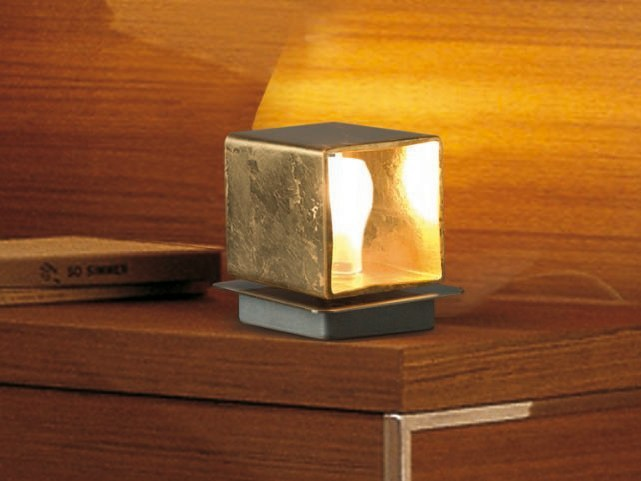 Blown glass bedside lamp CUBE | Table lamp by Cattaneo