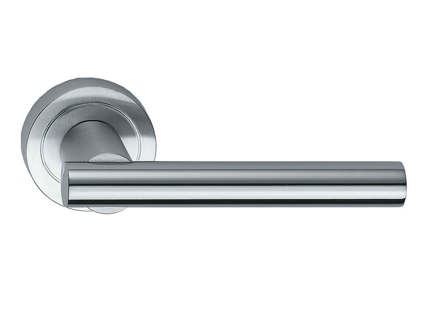 Brass door handle on rose MODULO L | Brass door handle by Frascio