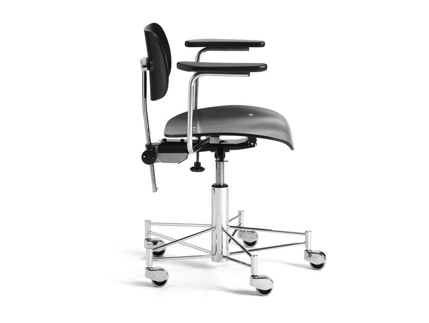 Height-adjustable task chair with casters SBG 197 R | Task chair with armrests by WILDE+SPIETH