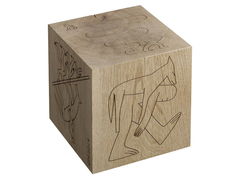 Solid wood bookend BIGFOOT™ DICE by e15