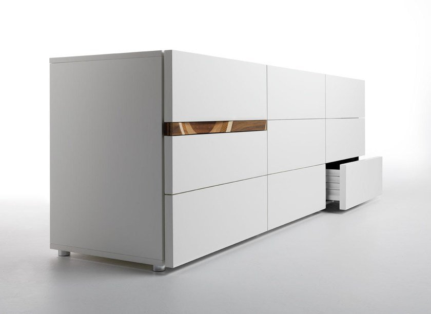 Lacquered sideboard with drawers COMRI' by Casamania & Horm
