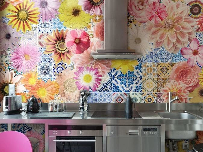 Vinyl wallpaper with floral pattern TECHNICOLOR by GLAMORA