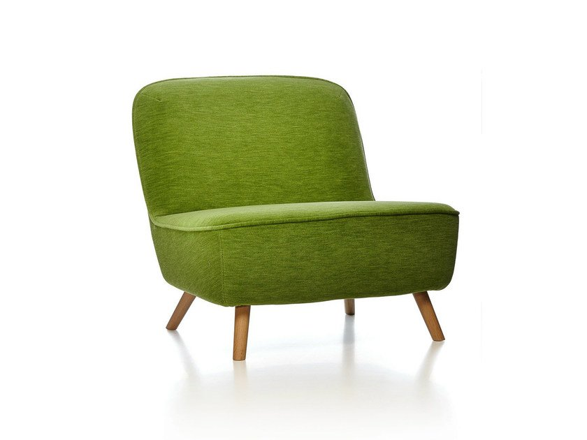 Upholstered armchair COCKTAIL CHAIR by moooi