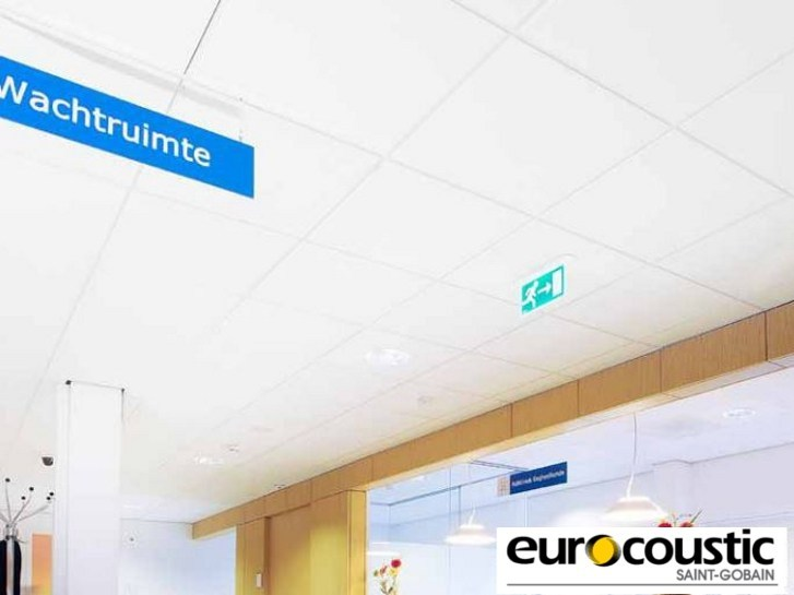 Rock wool ceiling tiles for healthcare facilities CLINI'CARE by Saint-Gobain Gyproc