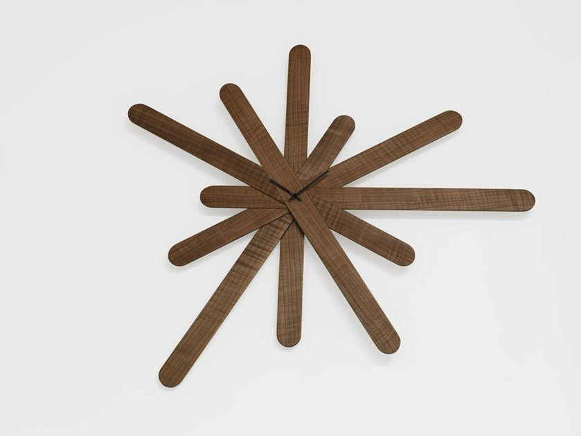 Horloge mural WOODCLOCK by Casamania & Horm