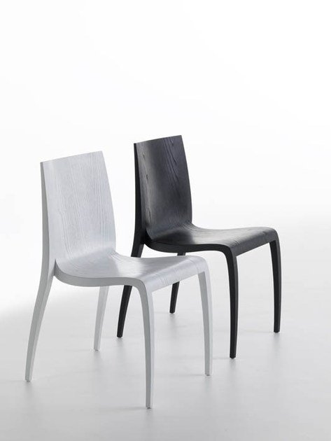 Stackable wooden chair KI by Casamania & Horm